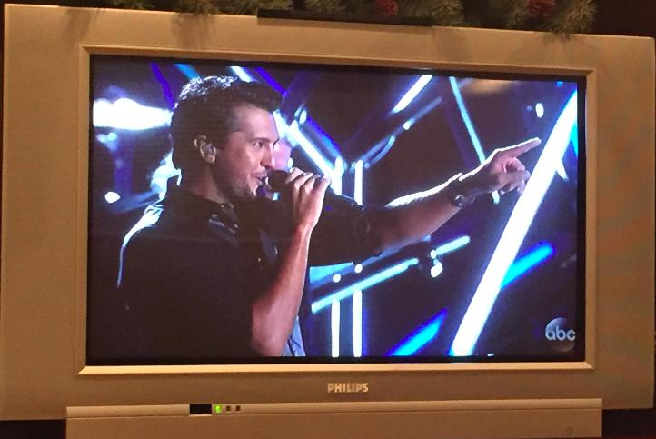 Luke Bryan performing