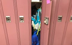 Should students be able to bring their backpacks from class to class?