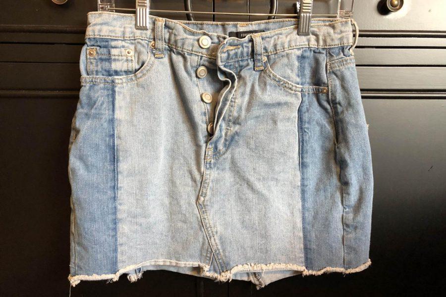 A+retro+jean+skirt.
