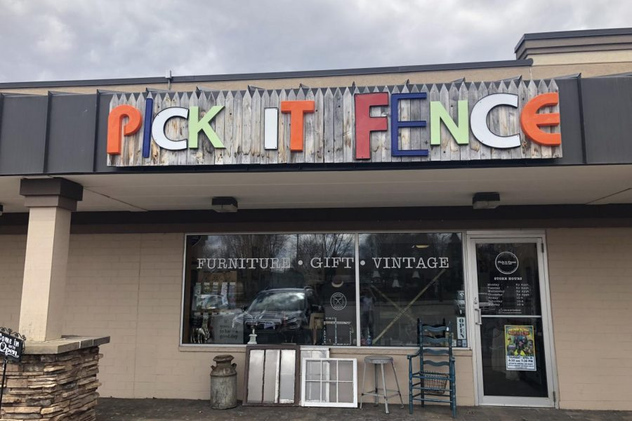 The store front of the Pick It Fence in Sartell MN.