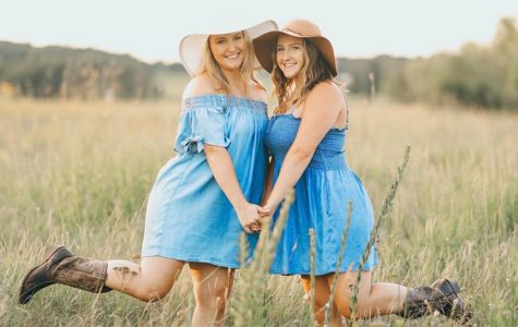 Twins of Sartell: Hannah and Holly Wolff