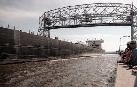Lake Superior gales cause Canal Park to flood
