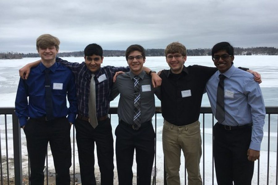 The Minnesota Knowledge Champions smile at the KB banquet.