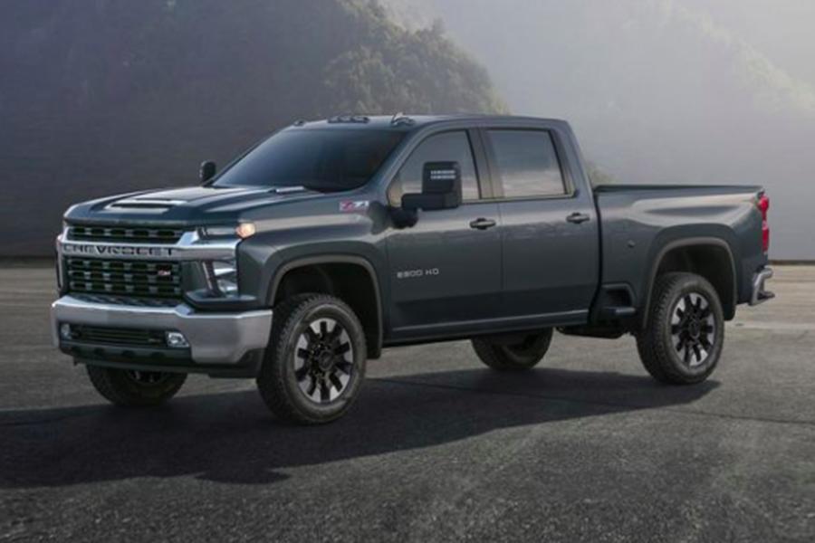 Chevy+has+released+their+4th+generation+of+heavy-duty+Silverado+trucks