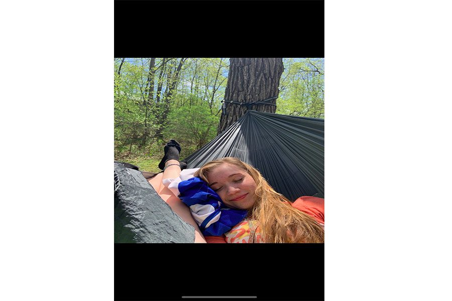 Kaitlin+Koch+and+Olivia+Brinkman+take+on+the+Eno-ing+experience+and+have+a+good+time.
