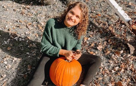 Grace Hartwig is at The Nelson Farm pumpkin patch on sunday afternoon with her friend Alexis Decker