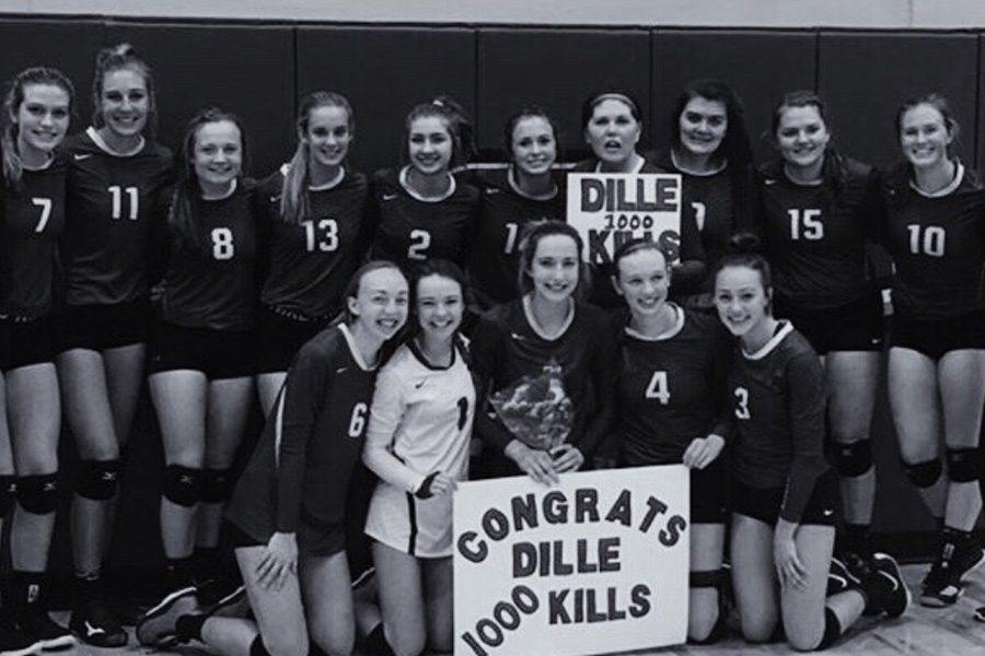 The+Sartell+Volleyball+team+congrats+Elizabeth+Dille+on+her+1000+career+kills+while+on+varsity