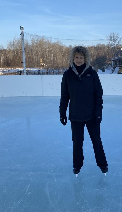 Jessie Vos attempting to skate for the first time in her life.