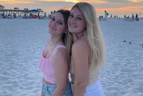 Sophomore Lindsey Opatz and her sister Senior Lauren Opatz enjoyed their spring break trip to Florida this last spring break.